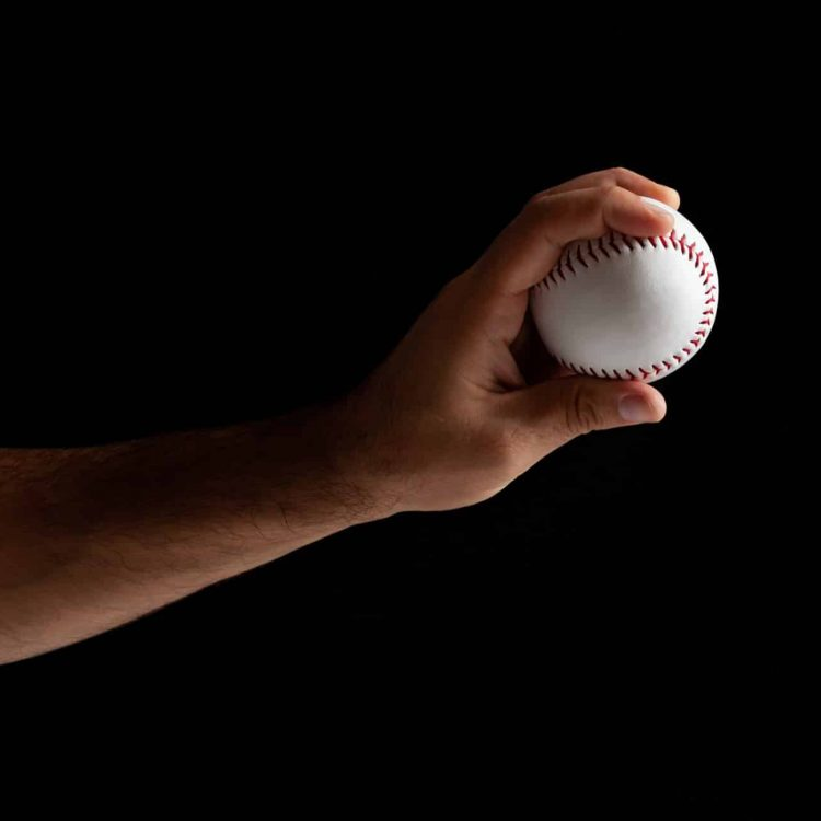baseball-pitcher-ready-to-pitch-MXAYDES-2